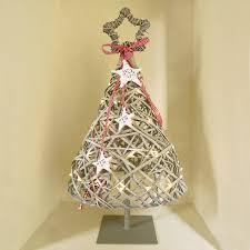 eight incredibly creative alternative diy christmas trees page 4
