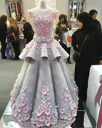 london u0027s cake international stunned by edible wedding dress
