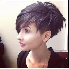 Asymmetrische Frisuren by Die Besten 25 Kurz Asymmetrische Frisuren Ideen Auf