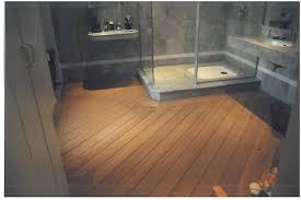 decoration de bateau design salle de bain avec parquet pont de bateau quick step