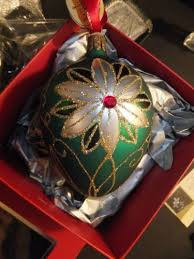 Waterford Holiday Heirlooms Traditional Emerald Egg Christmas