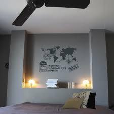 pochoir mural chambre décorer le mur de la chambre avec le pochoir du voyage leroy merlin
