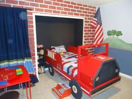 decoration chambre pompier 31 idées déco chambre garçon archzine fr idee deco chambre