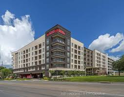 central houston tx luxury apartments 5755 hermann park