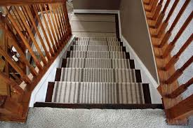 decorations thin stripes pattern with brown bold side border