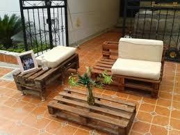 mit europaletten wohnideen palettenmoebel europaletten wohnideen couchitsch sofa selber bauen