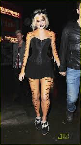 pixie lott turns into tiger after tour end photo 398338 photo