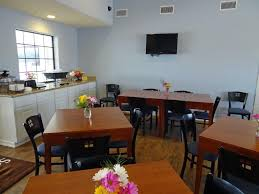 Dining Room Attendant Motel Southern And Pearsall Tx Booking Com