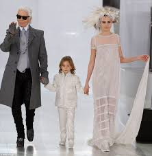 cara delevingne is ethereal in wedding dress at chanel show in