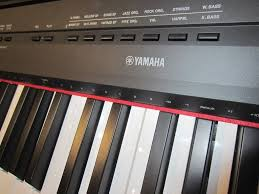 piano keyboard reviews and buying guide az piano reviews review digital pianos under 1000 for 2017 go