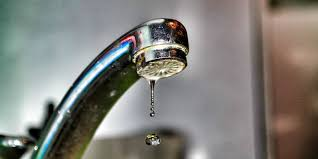 kitchen faucet is leaking how to fix a leaky faucet in 5 easy steps how to fix your