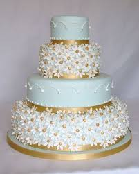 daisy cake with light blue and gold hall of cakes this is sweet