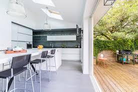 cuisine dans veranda cuisine dans veranda photo modern aatl