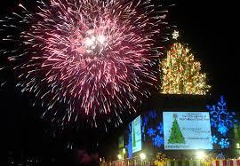 lenox tree lighting 2017 photos atlanta s christmas tree lightings through the years