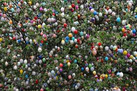 german easter egg tree saalfeld germany easter trees happy easter 2018