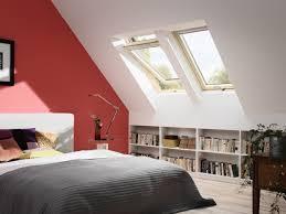 schlafzimmer ideen mit dachschrge schlafzimmer dachschräge streichen ideen ziegelrot weiß home