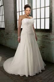 robe mari e grande taille robe de mariée de grande taille à a ligne décolletée en coeur en