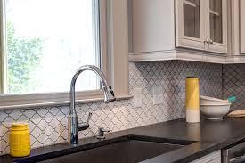 arabesque backsplash tile arabesque backsplash tile kitchen