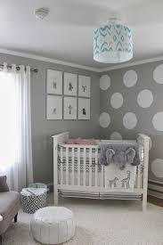 kinderzimmer in grau wandfarbe grau und wand streichen muster weiße punkte für neutrale