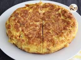 cuisine espagnole facile tortilla espagnole pommes de terre et oignons recette ptitchef