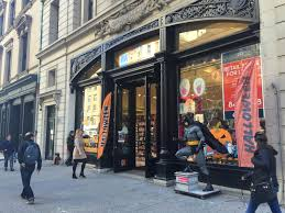 halloween supplies halloween city there are no crazy halloween store lines u2014 yet racked ny