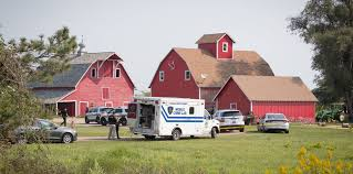 Fire Barn Papillion Ne 17 Year Old Boy Douglas County Sheriff U0027s Deputy Shot After Teen
