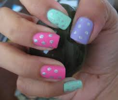 5 finger discount cute holiday nail art on a budget easter egg