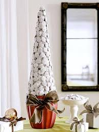 eye catching decorated tabletop christmas tree decorating design