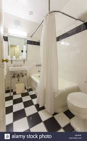 En Suite Bathrooms by En Suite Bathroom At The Hotel Pennsylvania 7th Ave New York