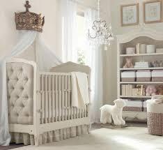 le babyzimmer kinderzimmer idee märchenhafte kinderzimmergestaltung krone weißes