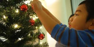 how to hang lights how to put lights on a tree