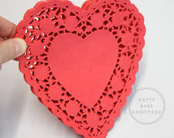 heart doilies 25 pink heart doilies paper doilies 6 inch pink paper doilies
