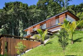 what is a colonial house house located on the coast of the state of rio de janeiro contiguous