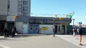 bureau de poste la plaine denis la poste porte de la chapelle à en métro