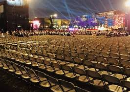 hundreds of empty seats spotted at donald s white house