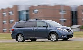 nissan sienna 2008 2017 toyota sienna pictures photo gallery car and driver