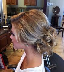 Hochsteckfrisuren Mittellange Haare Einfach by Die Besten 25 Frisuren Für Lange Haare Ideen Auf