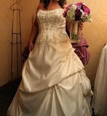Sell Your Wedding Dress Used Wedding Dresses Buy U0026 Sell Your Wedding Dress Tradesy