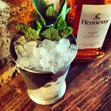 london pop ups the hennessy clubhouse six week pop up bar in