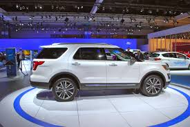 cars ford explorer 2016 ford explorer platinum might as well call it the eddie bauer