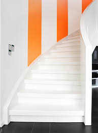 weiãÿe treppe weisse treppe mit klaren formen 1 daniel beutler treppenbau