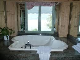 chambre baignoire balneo baignoire balnéo photo de hôtel restaurant de yoann conte