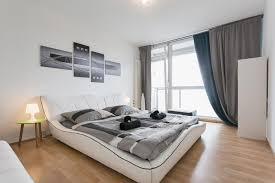 wohnzimmer design bilder design apartment im 10 stock mit blick über dresden direkt im