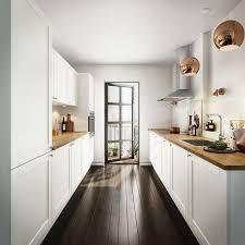 cuisine en longueur comment aménager une cuisine en longueur types avantages et astuces