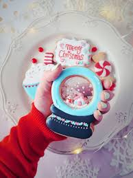 snow globe cookie