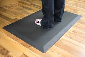 best anti fatigue mat for standing desk excellent anti fatigue mat for standing desks ergonomics startech