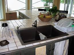 comptoir de c駻amique cuisine installation îlot de cuisine par é rénover sa cuisine