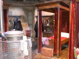 warner brothers studio tour the making of harry potter mu study harry s bed common room