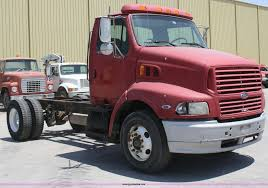 luxury semi trucks cabs 1997 ford aeromax semi truck cab and chassis item b6800