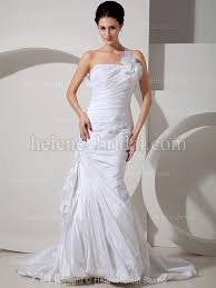 tight wedding dresses when to avoid tight wedding dresses weddings engagement